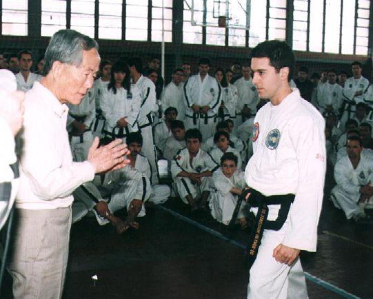 Авторът с ген. Чой по време на семинар през 1996г.