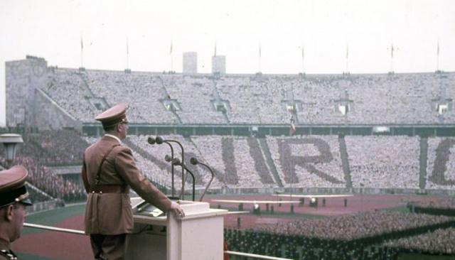 800px-Olympische_spiele_berlin_1936_hitler